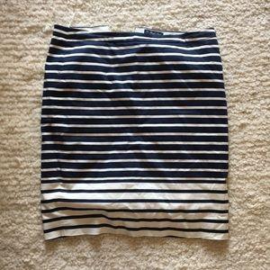"Jcrew - ""the pencil fit skirt"" size 6"